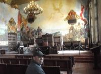 Olli vor Gericht