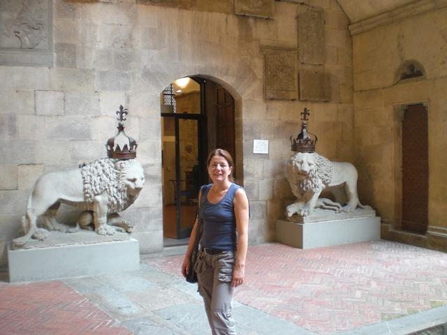 Anne zwischen Löwen