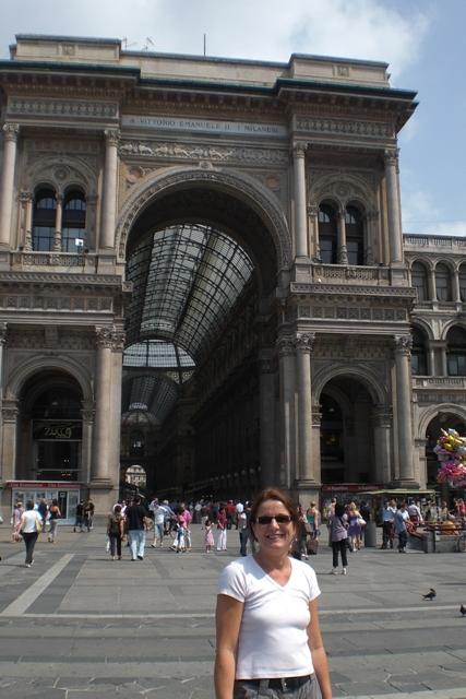 Anne vor der Shopping-Galleria