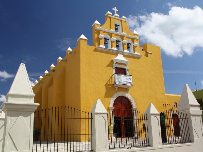 Kirche in Campeche.jpg