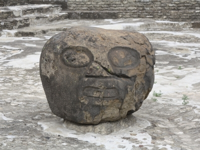 Kopf Pyramide Cholula