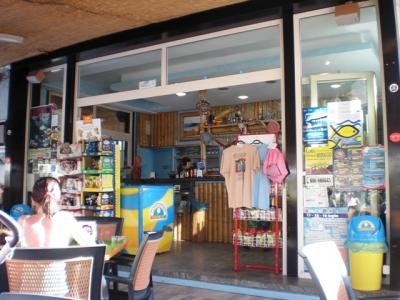Internet-Cafe-Bar