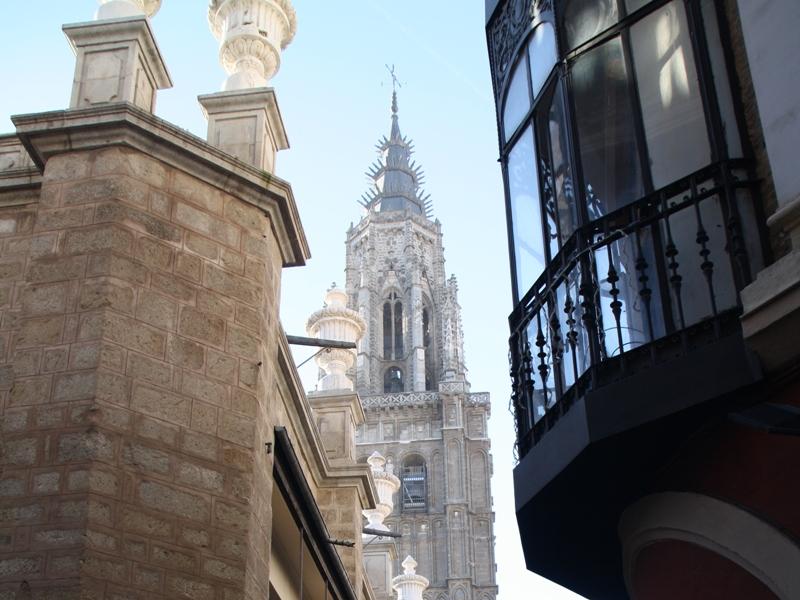 Balkon mit Kathedralensicht.jpg