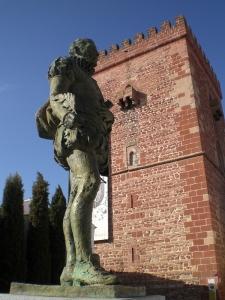 Alcazar-Torre und Cervantes.jpg